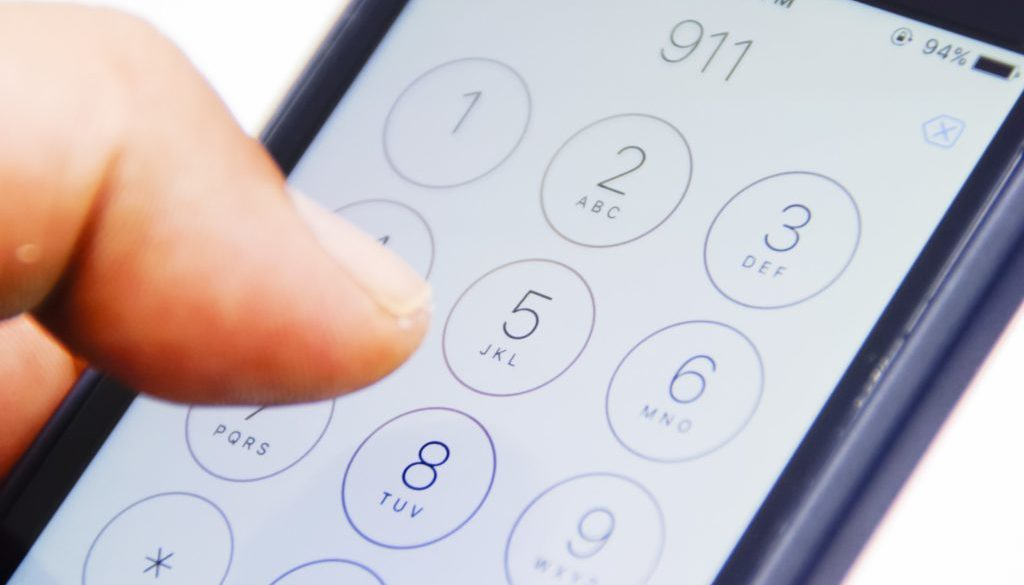 dialing 911 on cell phone